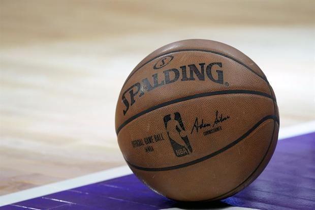 La NBA no se plantea cancelar la temporada a pesar de los casos de covid-19