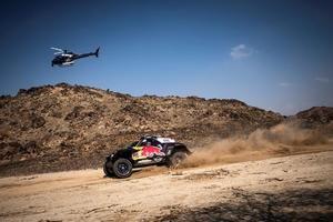 El español Carlos Sainz (X-Raid JCW Team) durante el prólogo del rally Dakar 2021 disputado en Jeddah, Arabia Saudí, este 2 de Enero de 2021.