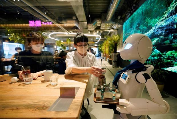 Robots para sacar del ostracismo laboral a personas con movilidad reducida