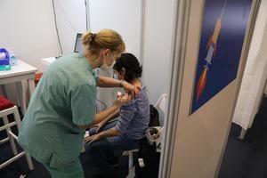 Vacunación en Tel Aviv, Israel.