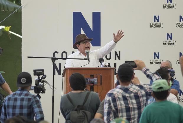 El empresario y periodista Miguel Mora habla durante su presentación como precandidato a la presidencia de Nicaragua, hoy en Managua (Nicaragua).