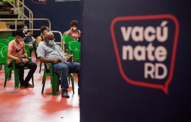 República Dominicana se acerca al 50 % de vacunados con al menos una dosis