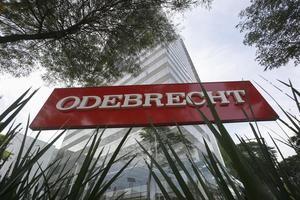 Odebrecht surgió en 1944, fundada por el ingeniero Norberto Odebrecht como empresa familiar y volcada inicialmente al área de la construcción, aunque con el tiempo amplió sus negocios de una forma vertiginosa y llegó a ser uno de los mayores conglomerados del país.