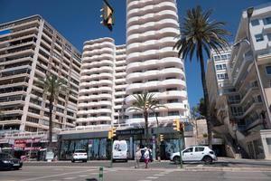 Vista del Hotel Palma Bellver, el hotel covid donde se alojan algunos de los estudiantes que visitaron Mallorca en viaje de estudios y que han tenido contacto con positivos, este domingo.