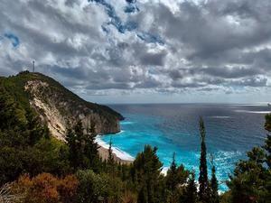 Vista reciente de una de las playas en la isla griega de Léucade.