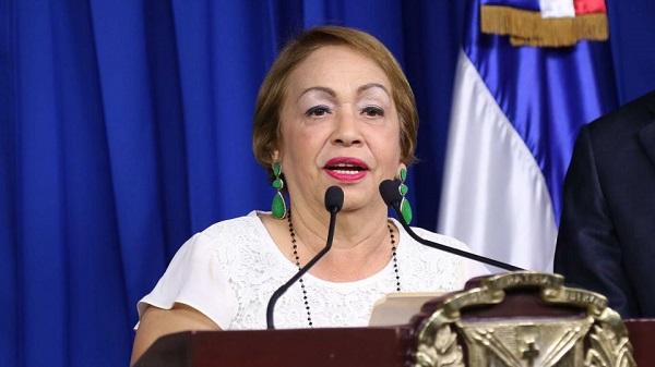 Luisa Fernández afirma que el sector zonas francas vive