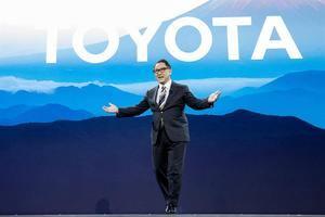 El presidente y CEO de Toyota, Akio Toyoda, pronuncia un discurso en el que presenta Toyota Woven City, una ciudad futurista donde se probarán las nuevas tecnologías, durante la conferencia de prensa de Toyota en el 2020 International Consumer Electronics Show en Las Vegas, Nevada, EE. UU.