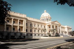 Abinader designa abogados para recuperar bienes sustraídos al Estado.