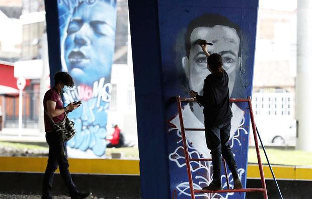 Artistas colombianos honran a las víctimas de la violencia con el primer museo urbano de la memoria
