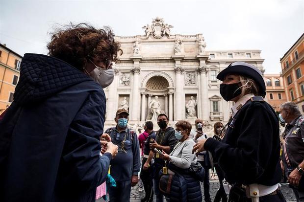 Italia registra 2.578 casos y se evalúan nuevas medidas ante un aumento de los contagios