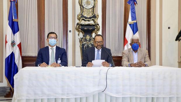 Gobierno anuncia revisión y terminación de contratos con Odebrecht