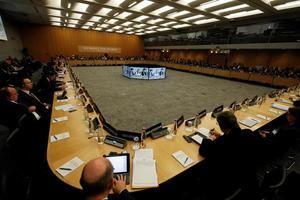 Vista general de una reunión en la sede de la OCDE en París, Francia, hoy, 26 de abril de 2018.