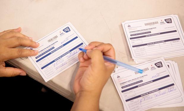 República Dominicana empieza a exigir la tarjeta de vacunación contra covid