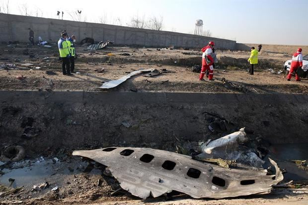 Se estrella un avión ucraniano con 180 personas a bordo cerca de Teherán