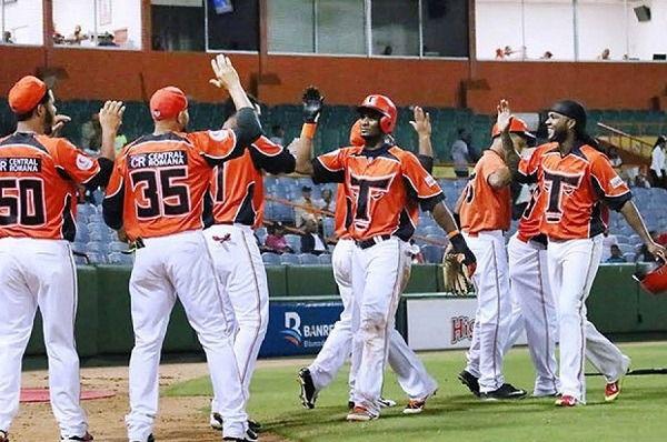 Toros avanzan a la semifinal del béisbol dominicano