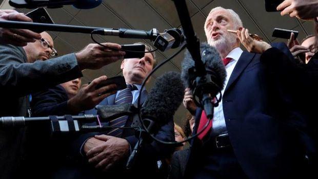 Corbyn pide que el Parlamento vote el acuerdo del