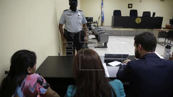 La Corte salvadoreña marca un precedente para liberar a mujeres acusadas de abortar