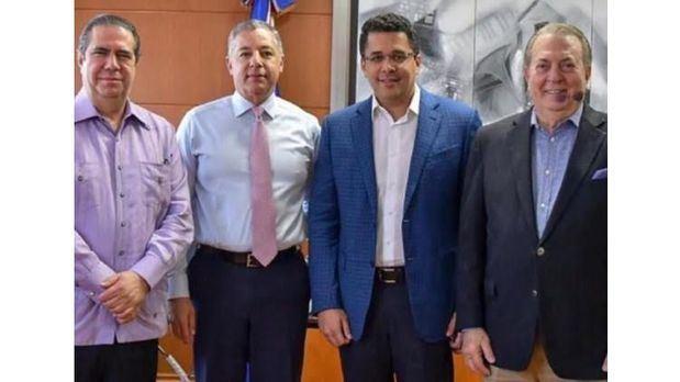 Eduardo Selman trata con los ministros de Hacienda, de Turismo y el alcalde de la capital sobre segunda etapa de la Ciudad Colonial