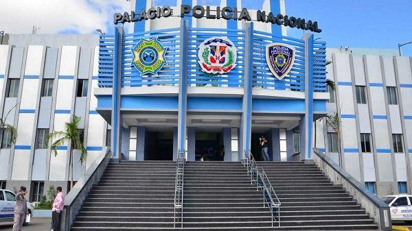 Policía ocupa armas en negocios de bebidas alcohólicas inspeccionados en SDE