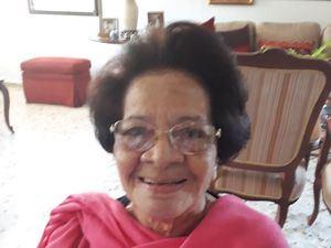 Evalina Acosta de Castro.