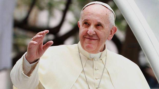 """El papa pide solución a conflicto de Siria """"que no tendrá más que vencidos"""""""