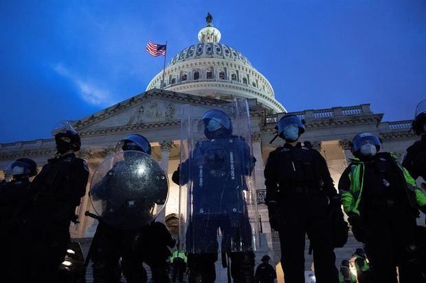 Washington vive una jornada de caos con el asalto de trumpistas al Congreso