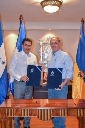 El alcalde del Distrito Nacional y el alcalde de Tegucigalpa, Honduras, firmaron un acuerdo .