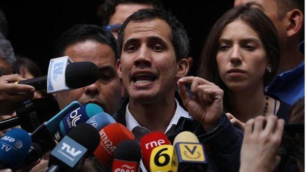 Guaidó también pide ayuda al papa para salir de la crisis
