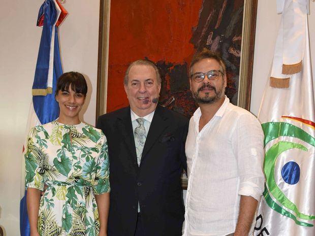 Nashla Bogaert y Frank Perozo escogidos reina y rey del Desfile Nacional del Carnaval 2019