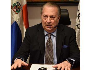 Ministro de Cultura Eduardo Selman.