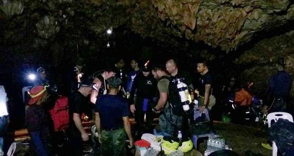 Completado el rescate de los 12 niños y su tutor atrapados en cueva de Tailandia