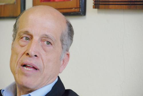 Max Puig opuesto a exclusión de energías renovables en licitaciones de la CDEEE