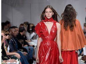 Calvin Klein dejará de hacer colección de alta moda para pasarela, según WWD