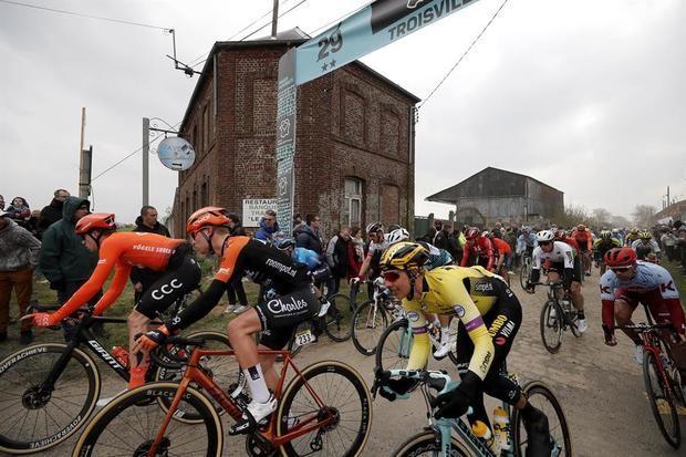 La 'reina de las clásicas', la París-Roubaix, que debía tener lugar el próximo 25 de octubre, no se disputará en esta edición a causa de la pandemia de coronavirus, indicaron este viernes los organizadores.