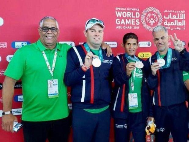 Natación logra 4 medallas de plata en olimpiadas especiales