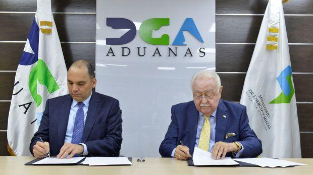 Aduanas y MEM Suscriben Acuerdo de Colaboración