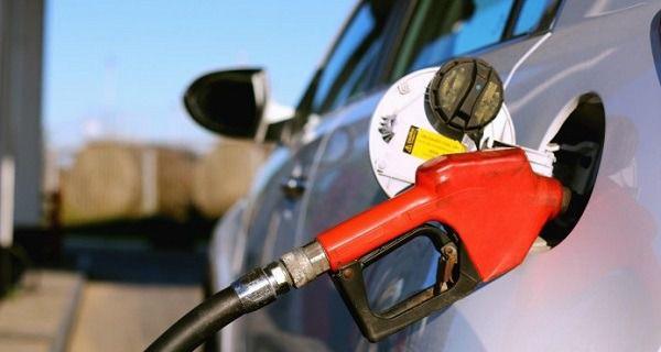 Congelan los precios de combustibles.
