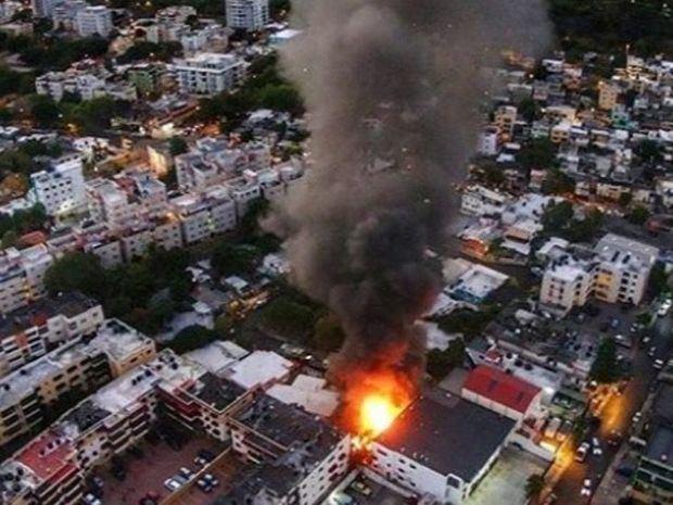 Un incendio consume una fábrica de velas en la capital sin dejar víctimas
