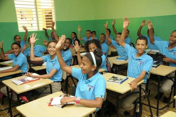 Educación llama estudiantes y docentes a regresar a clases este lunes