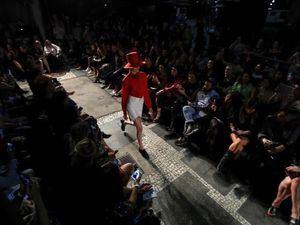 La Semana de la Moda de Sao Paulo comienza con aires de Miami Beach.