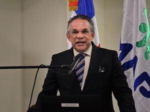 Titular del Ministerio de Administración Pública (MAP), licenciado Ramón Ventura Camejo.