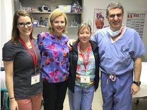 Susana Messina de Caro, Vicepresidente  Administrativa de la  Fundación Heart Care Dominicana junto a  Emma Staniel, Janine Henson y Mariano Brizzio en la  semana quirúrgica.