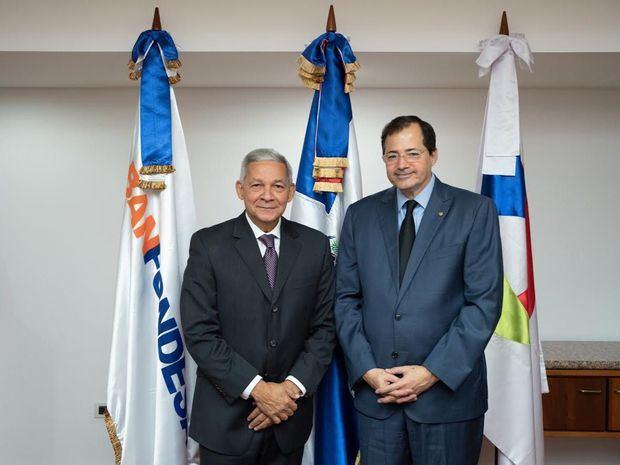 BANFONDESA y BHD León firman acuerdo para el desarrollo del sector microeconómico rural