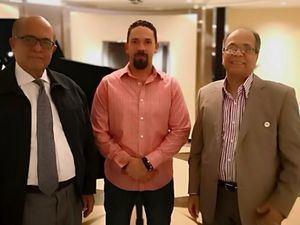 Los doctores José Silié Ruíz, Christian  Guilén y Santiago Valenzuela en la VI Jornada Latinoamericana de Neuropatías Dolorosas celebrada en Lima.