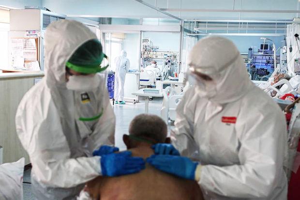 """Médicos turcos dicen que se ven obligados a """"elegir a los pacientes"""""""