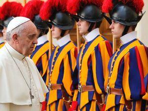 La guardia Suiza es el cuerpo militar encargado de la seguridad del Estado de la Ciudad del Vaticano. (Foto:Fuente Externa).