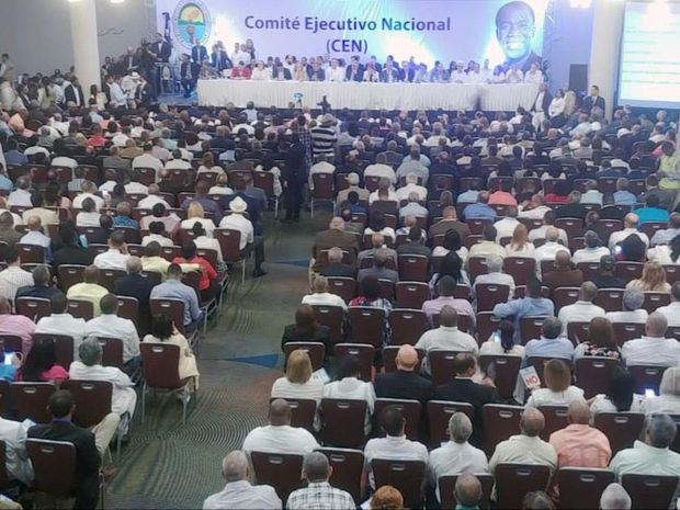 Participantes en la reunión del CEN del PRD. (Foto:Cortesía).
