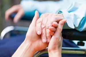 CONAPE investiga centro por supuestos maltratos a envejecientes.