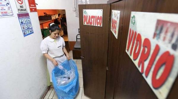 Menos de la mitad de hogares ecuatorianos clasifica residuos