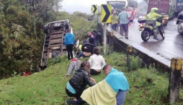 Al menos tres muertos y 13 heridos deja un accidente de tránsito en Colombia
